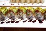sushi podawane w restauracji